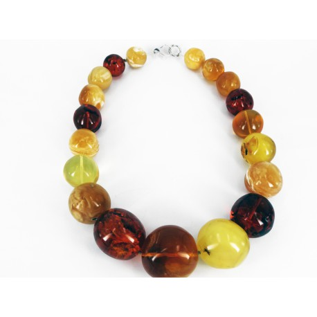Necklace made of high quality Baltic Amber and exclusive Design -